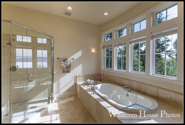 Master bathroom, 1242 Brighton Crest, Bellingham, WA. © 2015 Mark Turner