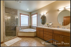 Master bathroom, 1430 Eastwood Way, Lynden, WA. © 2016 Mark Turner