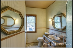 Bathroom, 715 15th Street, Bellingham, WA. © 2016 Mark Turner