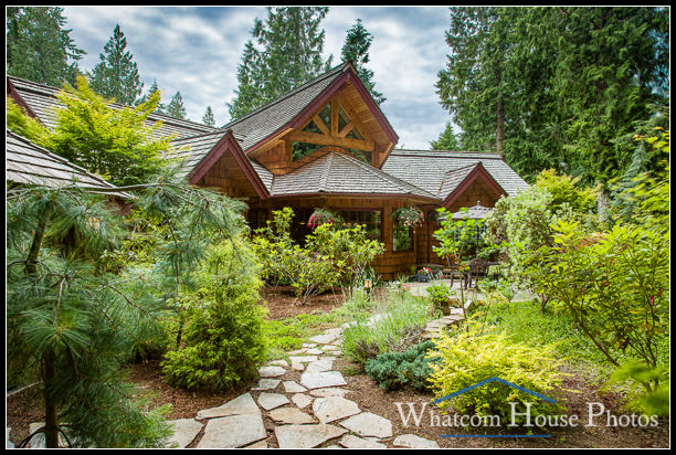 Garden frames home