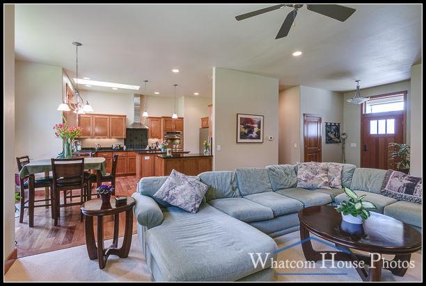 Living room, 1430 Eastwood Way, Lynden, WA. © 2016 Mark Turner