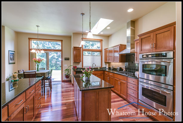 Kitchen, 1430 Eastwood Way, Lynden, WA. © 2016 Mark Turner