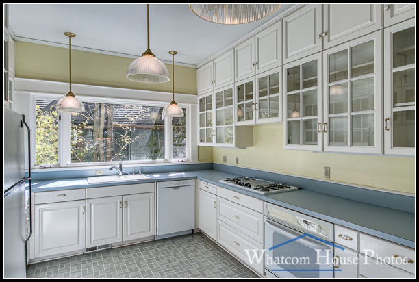 Kitchen, 715 15th Street, Bellingham, WA. © 2016 Mark Turner