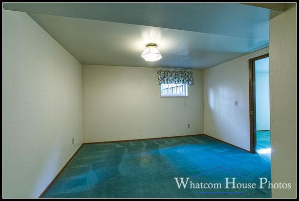 Basement bedroom, 715 15th Street, Bellingham, WA. © 2016 Mark Turner